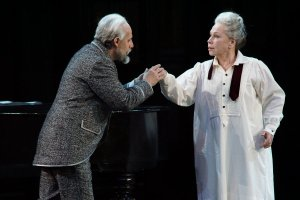 Vladimir Stoyanov (Prince Yeletsky) and Larissa Dyadkova (the Countess) - © Karl & Monika Forster