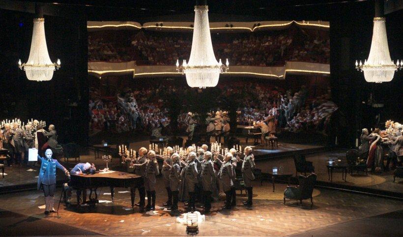 Morschi Franz (Major Domo, Vladimir Stoyanov (Yeletsky) and the Chorus of the National Opera - © Karl & Monika Forster